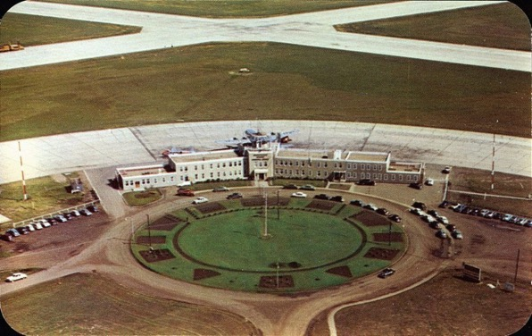 Aerial12-Administration-Buildings-at-Municipal-Airport-1948-1988-compressed-1024x645.jpg