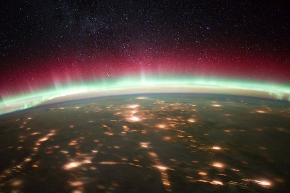 Calgary-with-red-and-green-aurora.jpg