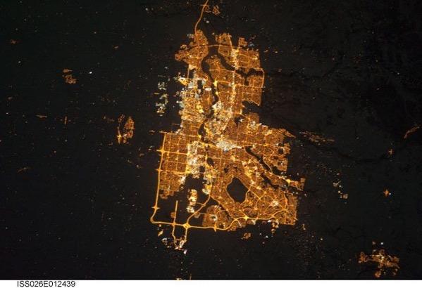calgary-at-night-3.jpg